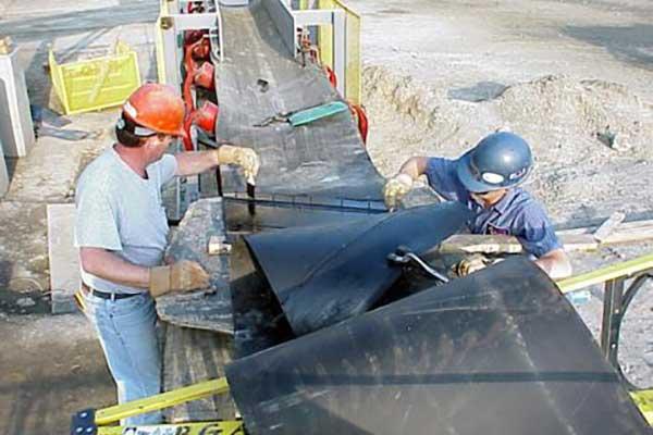 Conveyor belt hot vulcanizing procedure